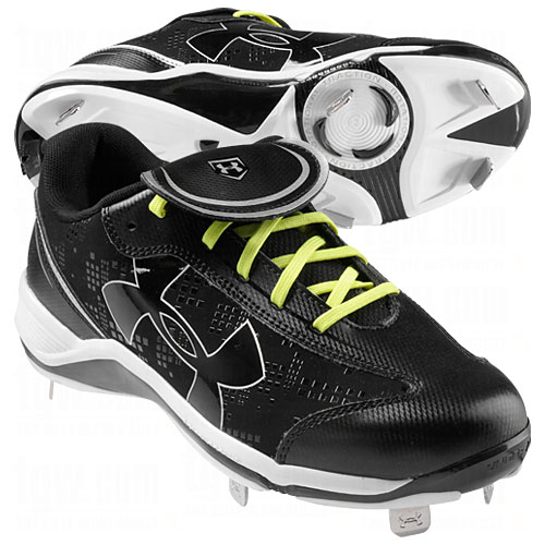 Under Armour Womens Glyde Low Metal Cleats